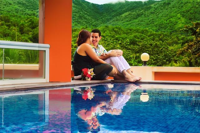 muž, žena, bazén, hory