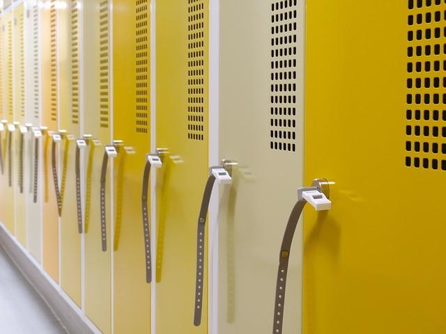 žluté skříňky, zámečky