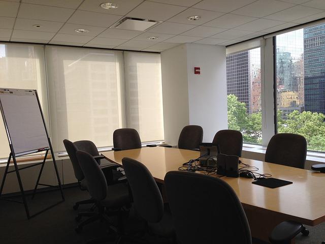kancelář, konferenční stůl, židle