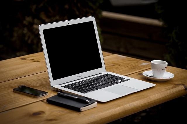 stůl kancelářský