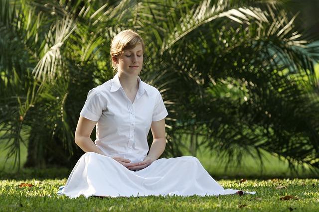 meditující žena