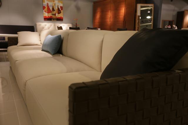 usedlý nábytek